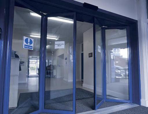 Складывающиеся двери TORMAX